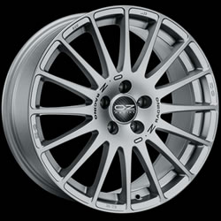 OZ SUPERTURISMO GT GC 8J x 17 5/100 ET35 68